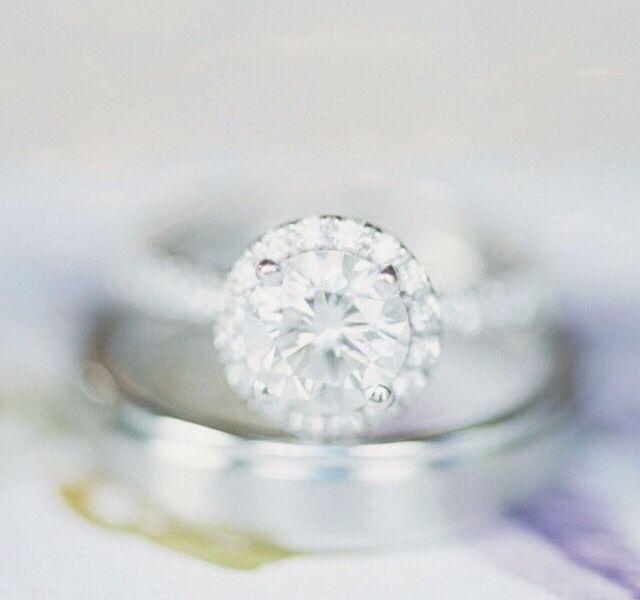 zasnubny prsten biele zlato