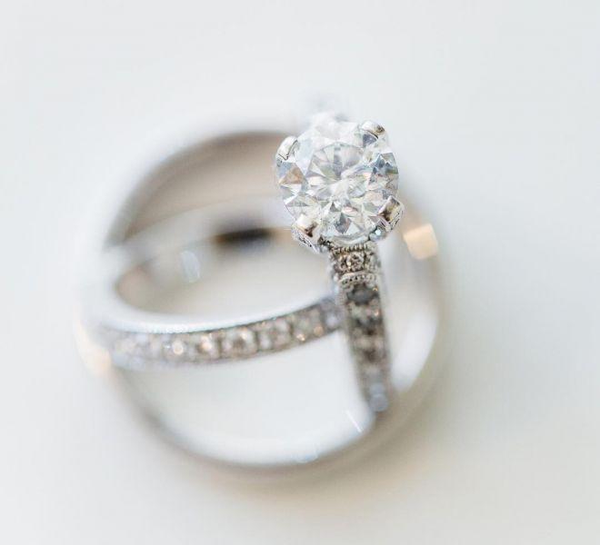 diamantový snubný prsten