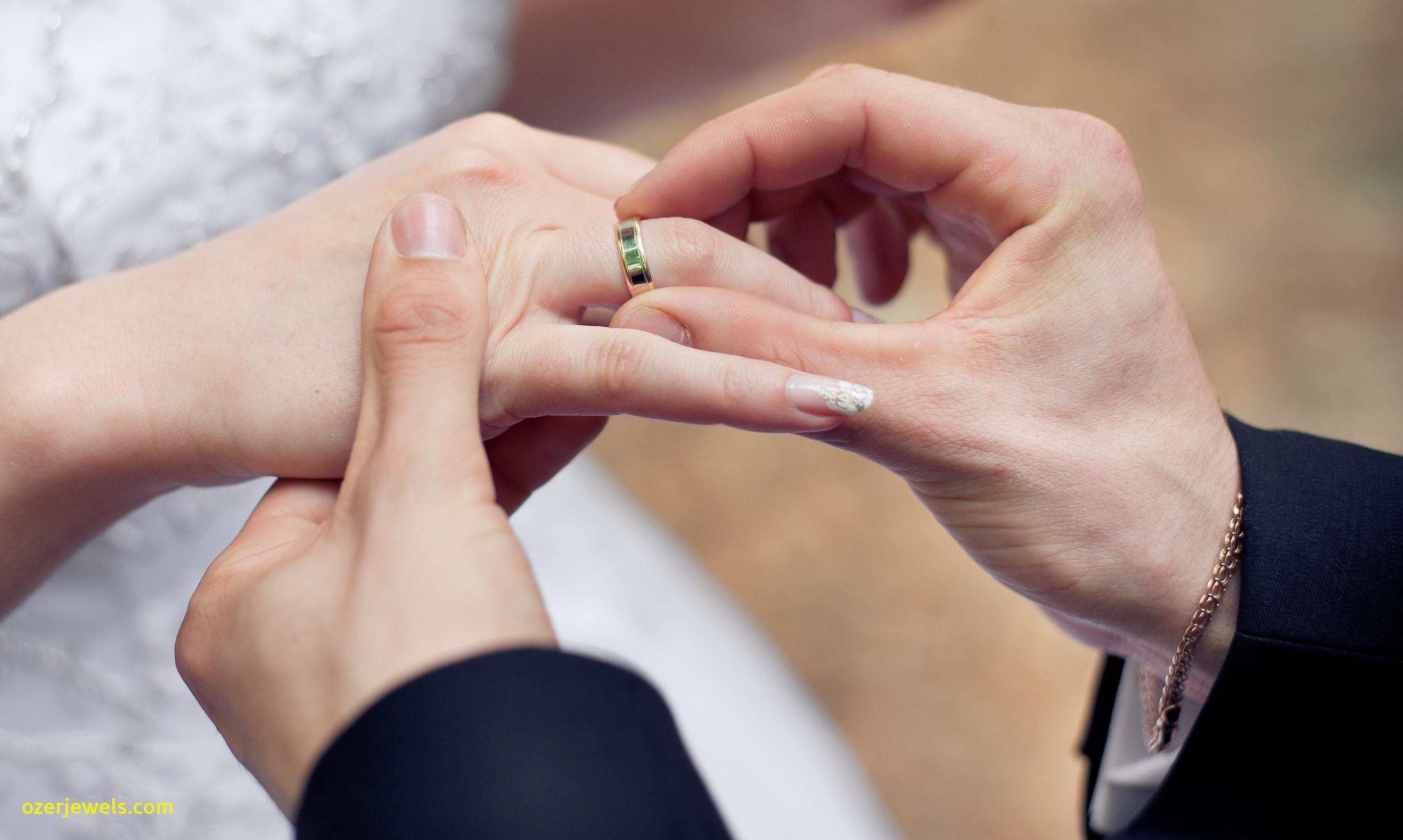 Jedinečné zásnubné prstene  bea1bdbf755